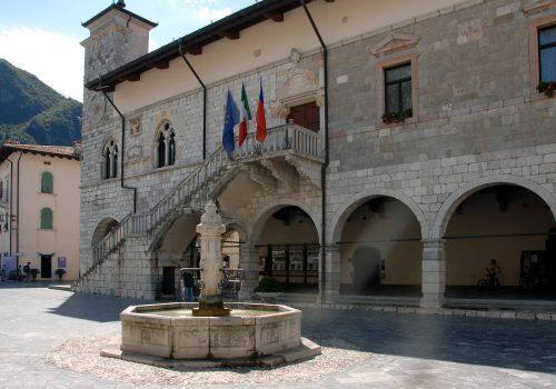 Municipio, Venzone