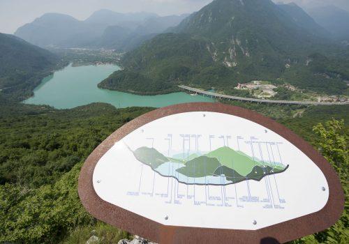 Vista del Lago di Cavazzo o dei Tre Comuni, Trasaghis   Ph. U.T.I. Gemonese